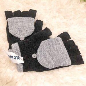 ‼️5/$25‼️Old Navy gloves
